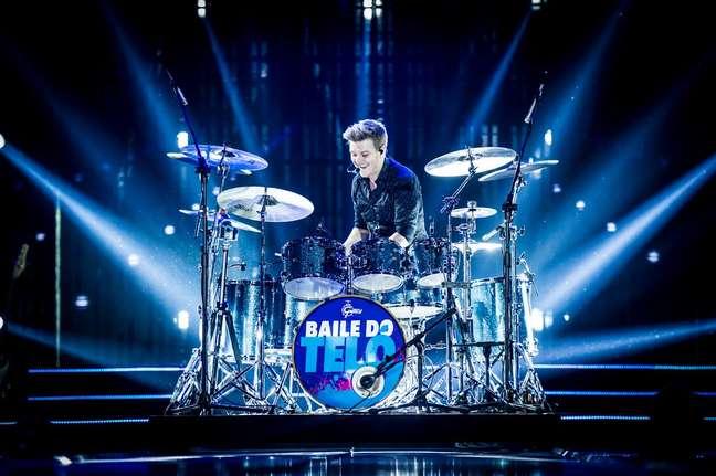 """""""Este ano vamos iniciar a turnê nova, do DVD Baile do Teló, e quero levar esse show  para o maior número de pessoas possíveis"""", afirma o cantor"""