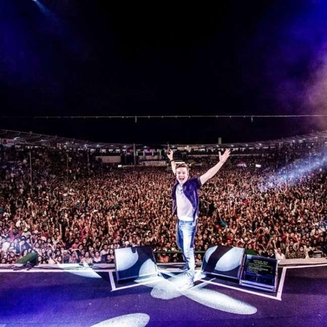 O ídolo sertanejo agradeceu aos fãs e expressou sua imensa felicidade ao se apresentar em Vilhena, em Rondônia, em julho de 2014. O cantor já havia se apresentado na cidade quando era vocalista do grupo Tradição, mas essa foi a primeira vez desde que decidiu seguir solo