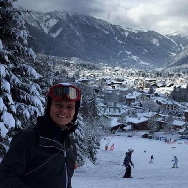 Na França, Teló aproveitou para tirar uma selfies em uma das mais importantes estâncias turísticas de inverno da Europa, a Chamonix-Mont-Blanc