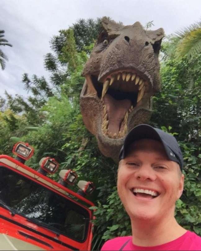 No início deste ano, Michel Teló foi curtir as férias com Thais Fersoza em Orlando, nos Estados Unidos, e aproveitou para turistar um pouco nos parques da Disney
