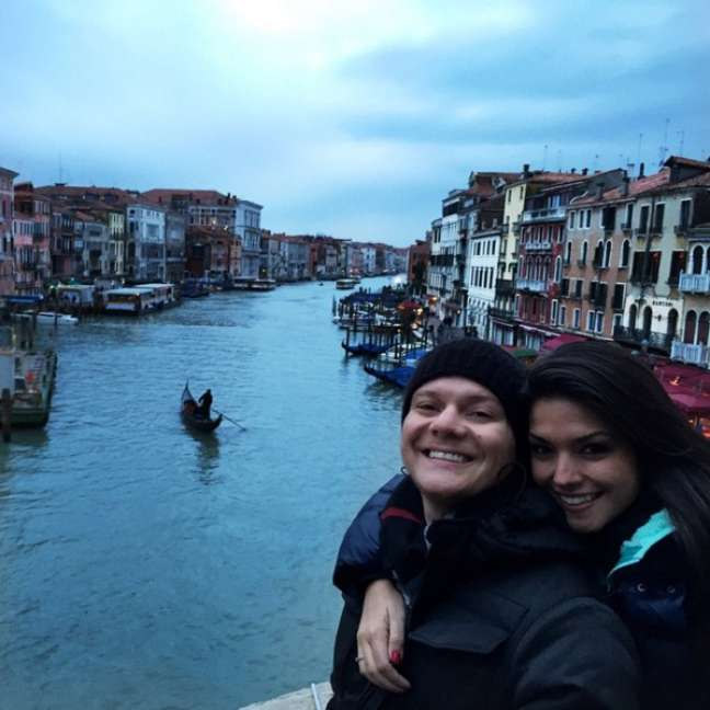A Eurotrip foi a que mais rendeu fotos memoráveis ao cantor. Entre os passeios do cantor, um passeio por um dos canais de Veneza, na Itália