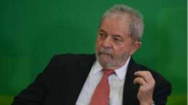 Investigações têm duas teses diferentes sobre palestras de Lula