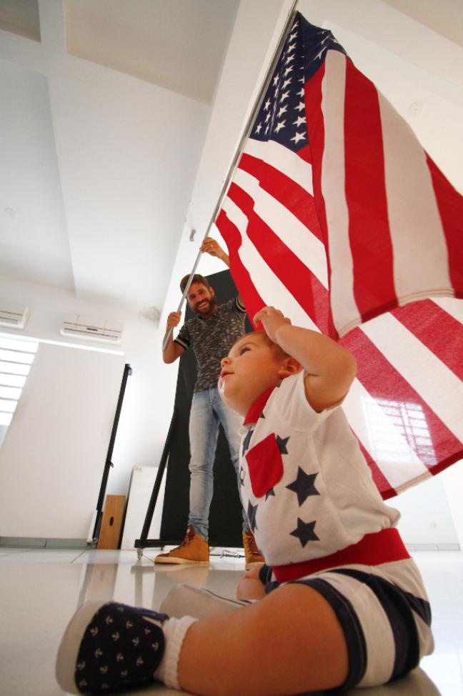Como Davi nasceu em Nova York, Estados Unidos, os pais optaram por fazer do país tema de algumas fotos