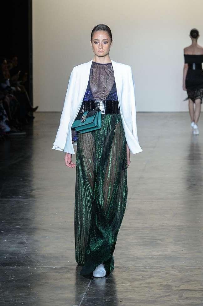 O estilista Wagner Kallieno trouxe transparências e blazers para seu verão 2017
