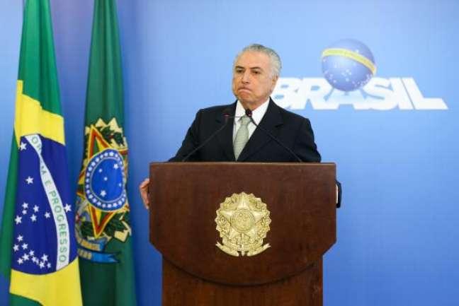 Brasília - O presidente interino da República, Michel Temer, fará, na próxima segunda-feira (20), no Palácio do Planalto, uma reunião com todos os governadores para negociar uma solução para a dívida dos estados