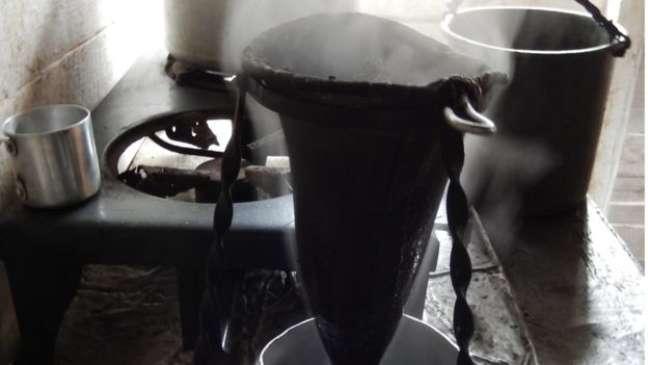 Sacos de pano tradicionais para preparo do café: lembrança emocional