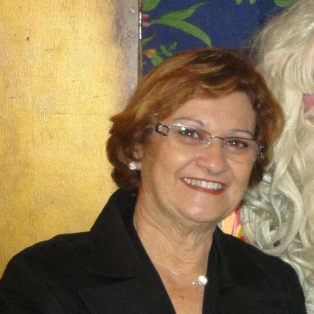 Lucia descobriu sua paixão aos 60 anos: trabalha como corretora de imóveis autonôma e empreendedora na área de eventos