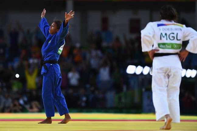 Rafaela Silva comemora o ouro