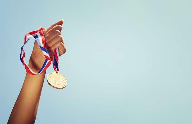 6 medalhas Olímpicas – Adestramento por equipe e individual, CCE por equipe e individual, Salto por equipe e individual