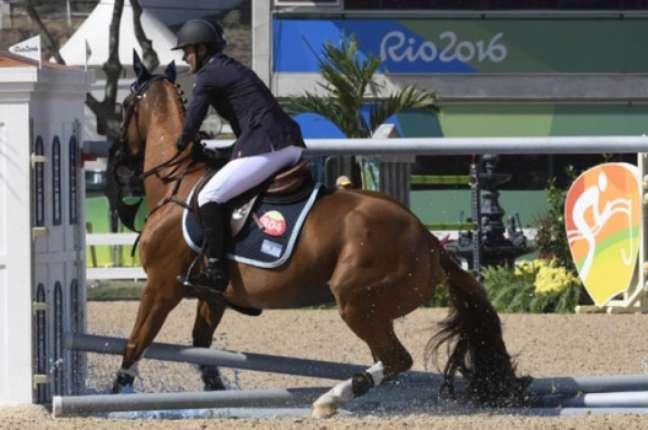 No penúltimo obstáculo de sua apresentação, o brasileiro Eduardo Menezes errou o salto