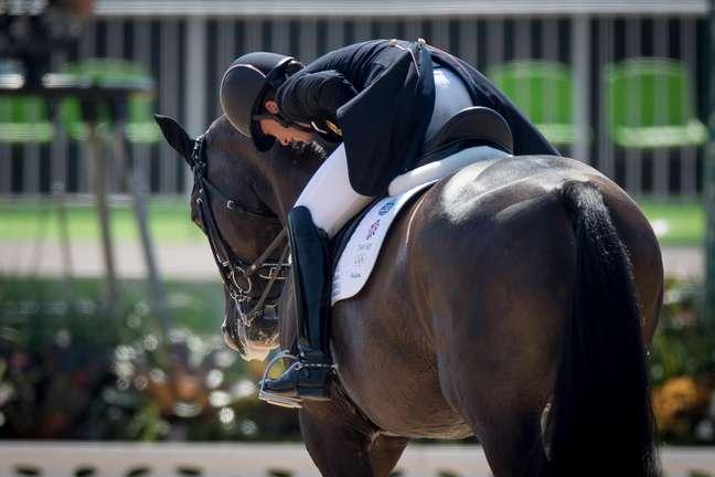 Ao mesmo tempo em que comemorou seu segundo ouro na prova, a britânica emocionou-se por estar provavelmente se despedindo do cavalo Valegro