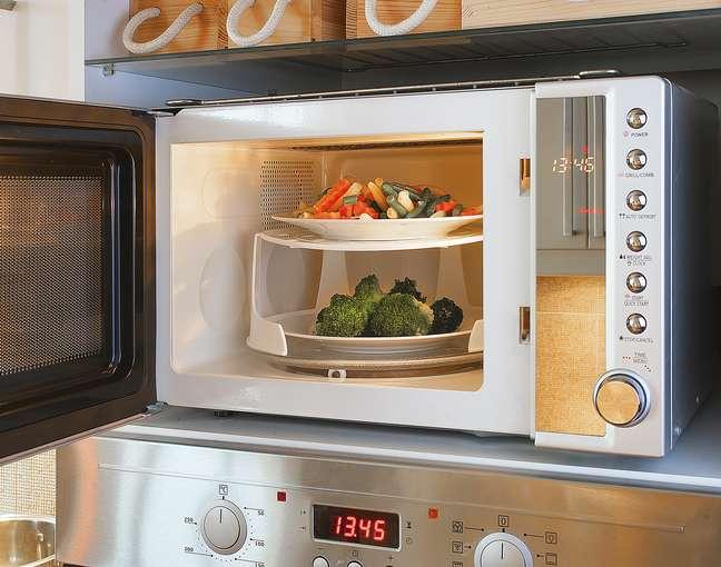 Alimentos no microondas