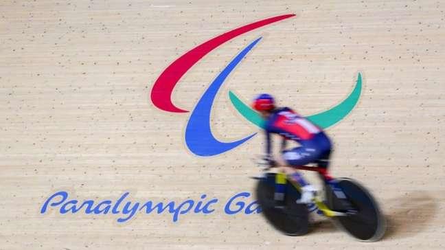 O símbolo paralímpico representa o 'espírito em movimento'