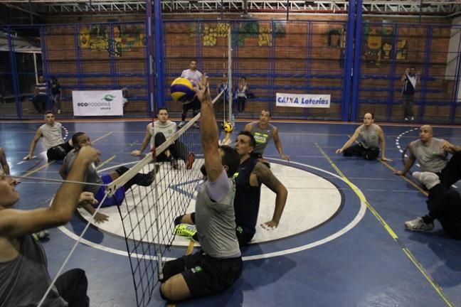 Seleção Brasileira de vôlei sentado treina para a disputa da Rio 2016