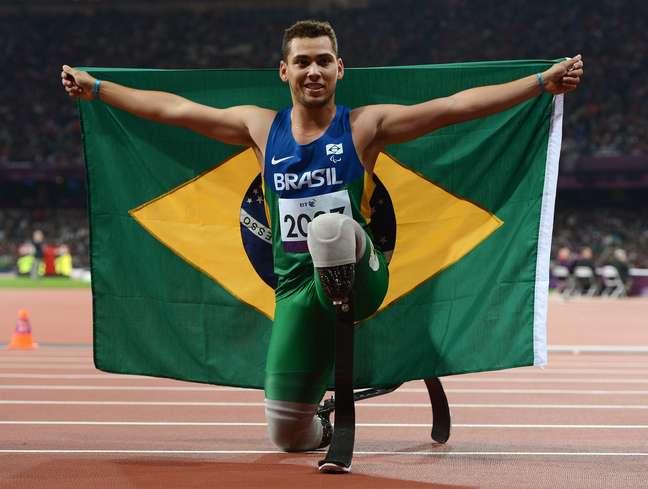 Velocista começa os Jogos Paralímpicos sob forte pressão e pelo menos 10 kg mais pesado do que quando se sagrou campeão em Londres, em 2012. Expectativa está nos 200m T44
