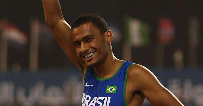 Daniel Martins comemora vitória no mundial de atletismo da categoria