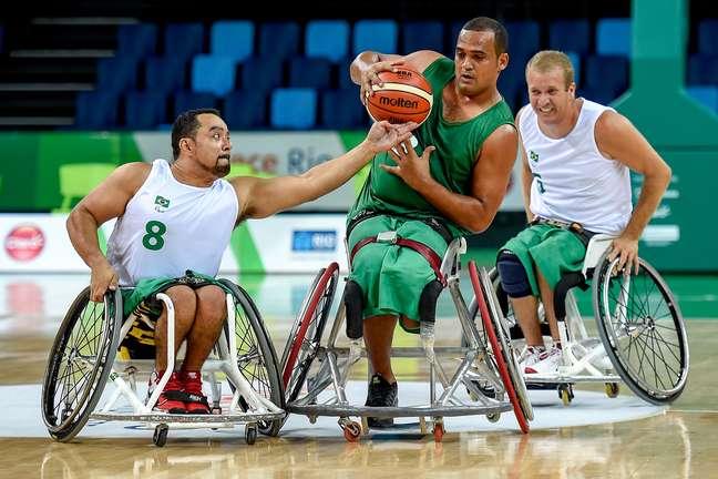 Brasileiros derrotaram o Irã por 73 a 50 e pularam para o terceiro lugar no grupo