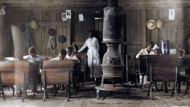 Colorir imagens em preto e branco faz as pessoas se interessarem pela história, diz o inglês Daniel Jones