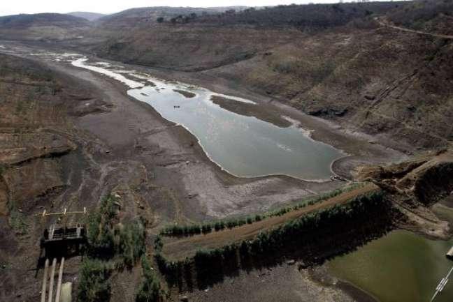 O maior reservatório de água do agreste de Pernambuco opera com volume morto. O nível de água na Barragem de Jucazinho, no município de Surubim, atingiu 0,01% da capacidade