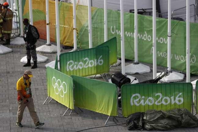 Câmera caiu no Parque Olímpico no dia 15 de agosto e deixou oito pessoas feridas (Foto: ODD ANDERSEN/AFP)