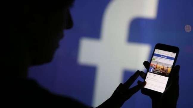 Os algoritmos do Facebook criam sua seção de notícias de forma predeterminada