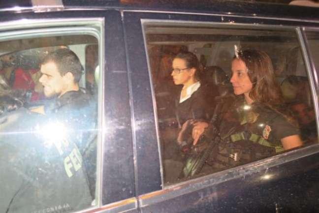 A ex-primeira-dama Adriana Ancelmo chega em sua casa, no Leblon, onde vai cumprir prisão domiciliar