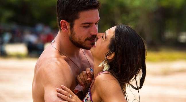 Rubinho (Emílio Dantas) e Bibi (Juliana Paes): amor que vai resistir às dificuldades da vida
