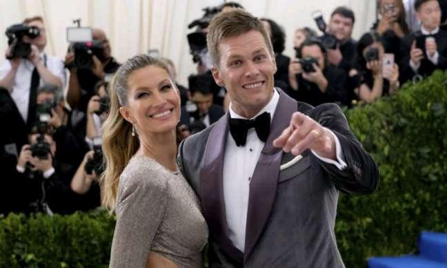 """""""Eu só tenho que dizer, como uma esposa, como você sabe (a NFL) não é o esporte mais, digamos, não agressivo. Futebol, ele teve uma concussão no ano passado"""", disse a modelo brasileira"""