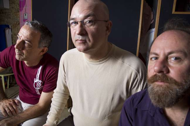 Da esquerda para a direita: João Barone, Herbert Vianna e Bi Ribeiro, astros da banda Os Paralamas do Sucesso