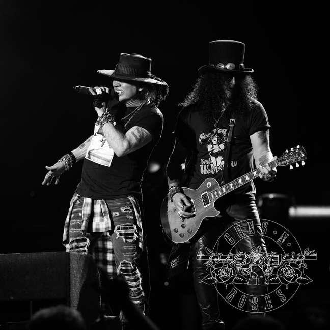 Axl Rose e Slash devem levar o público ao delírio logo mais, no encerramento do penúltimo dia do Rock in Rio