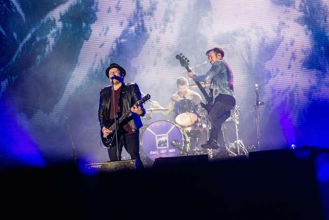 O Fall Out Boy levou um pouco do som punk para o Rock in Rio e fez o público pular no Palco Mundo.