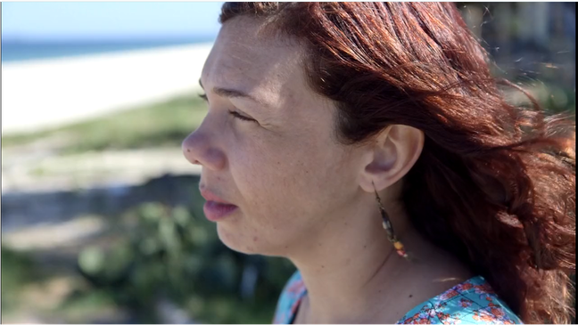 Elenise foi diagnosticada com depressão após o nascimento do filho (Foto: Ana Terra Athayde/BBC Brasil)