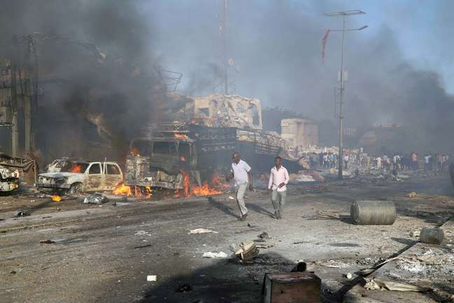 Local atingido pelo caminhão-bomba na Somália
