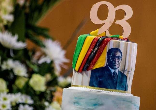 Robert Mugabe comemorou seu aniversário de 93 anos no começo deste ano