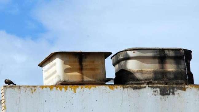 Caixas d'água de amianto são muito comuns nas residências brasileiras   Foto: Wilson Dias/Arquivo Agência Brasil