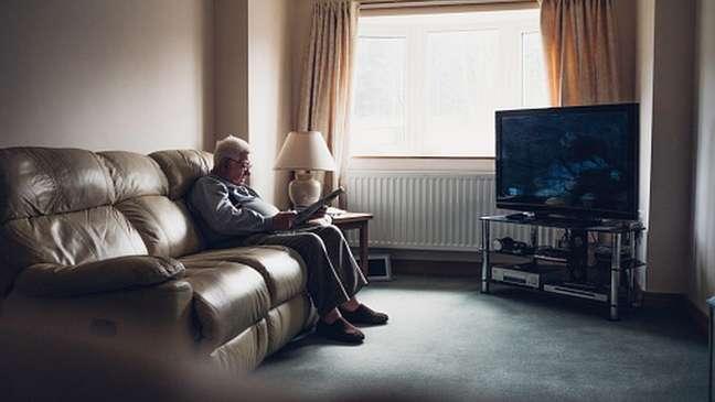 Isolamento e solidão podem contribuir para doenças graves como infarto e demência