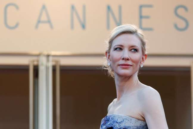 Atriz australiana Cate Blanchett posa para fotos durante Festival de Cannes, na França 17/05/2015 REUTERS/Regis Duvignau