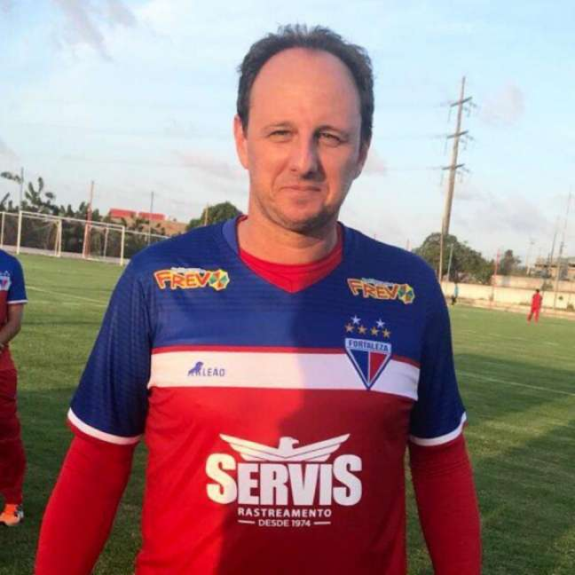 O ex-goleiro Rogério Ceni, de 44 anos, é técnico do Fortaleza atualmente.