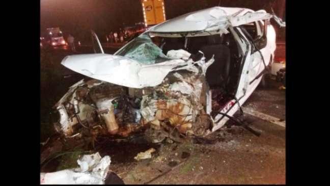 Ex-atacante não resistiu após carro que conduzia invadir a contramão e colidir com caminhão