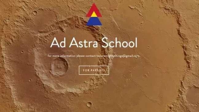 Inicialmente, um site da Ad Astra podia ser acessado pelos responsáveis dos alunos, mas ele não está mais disponível