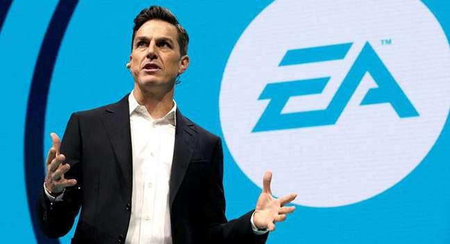 "Andrew Wilson, CEO da EA que tem ""cara de CEO""..."