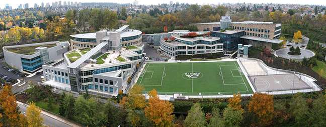 Sede da EA na Califórnia: tem até campo de futebol real!