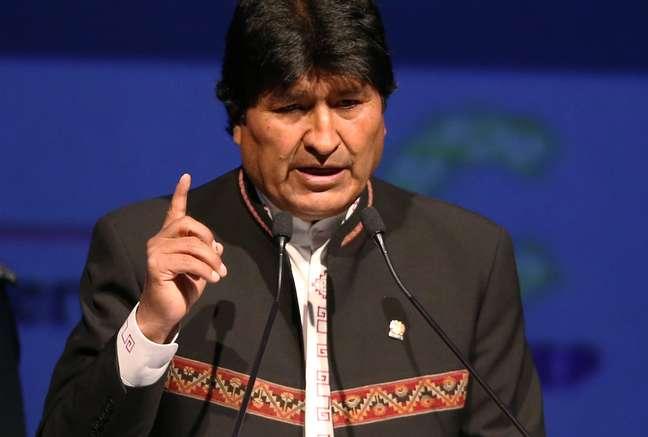 """O presidente boliviano Evo Morales, declarou em sua conta no Twitter que Lula """"lidera todas as pesquisas eleitorais."""" """"Nós rejeitamos essa decisão porque ela mina a democracia e a vontade do povo brasileiro"""""""