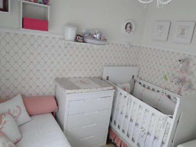 42. Modelo delicado de papel de parede para quarto de bebê