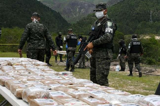 Após a derrota dos cartéis de Medellín e de Cali, muitos acreditaram que o tráfico de drogas havia sido vencido na Colômbia
