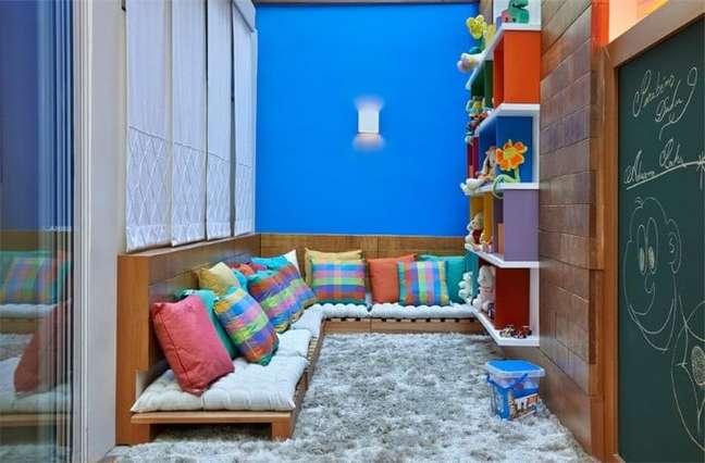 71. Sofá de palete no playground. Projeto de Casa 3