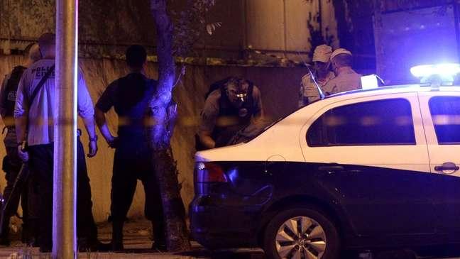 Polícia faz investigação criminal na área do homicídio de Marielle Franco, assassinados no Rio de Janeiro em março de 2018.