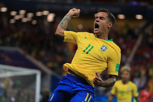 Coutinho comemora gol do Brasil contra a Suíça