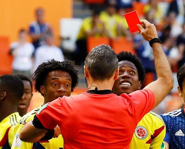O cartão vermelho mostrado ao volante Sánchez