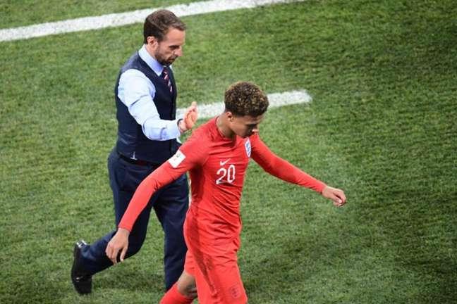 Dele Alli deixou o campo aos 35 minutos do segundo tempo (Foto: Nicolas Asfouri / AFP)